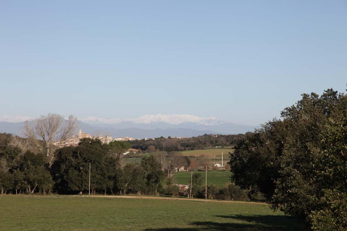 snow-view-rural-house-rent-girona-costa-brava-llagostera-natura